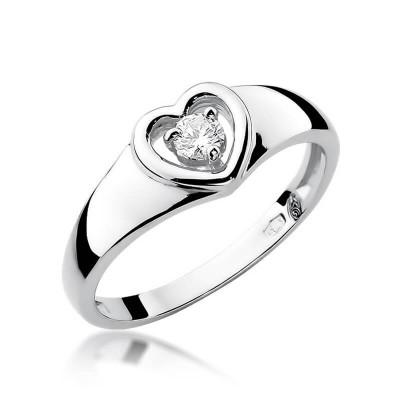Pierścionek z brylantem w sercu zaręczynowy białe złoto