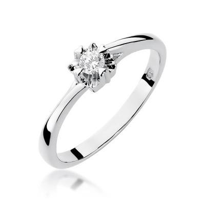 Pierścionek z diamentem białe złoto