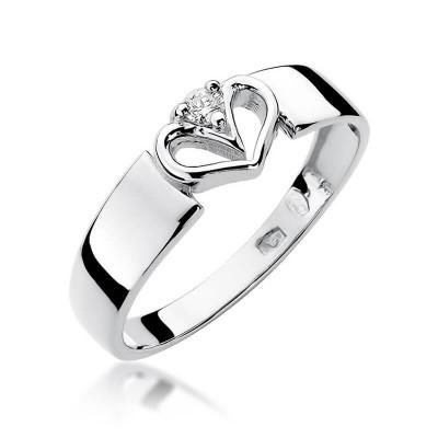 Pierścionek zaręczynowy białe złoto z sercem