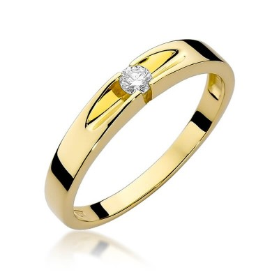 Złoty pierścionek z oczkiem zaręczyny