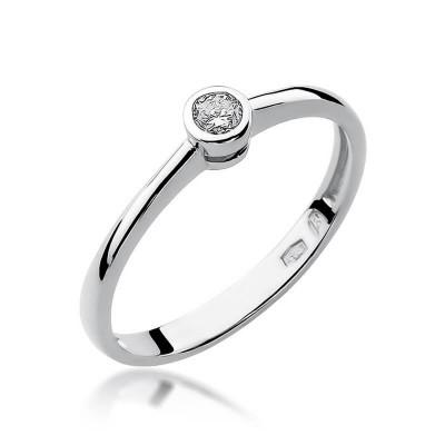 Pierścionek na zaręczyny z białego złota
