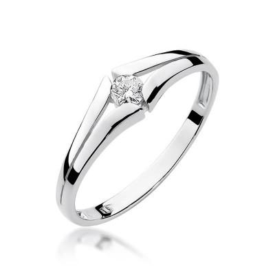 Klasyczny pierścionek z brylantem zaręczynowy
