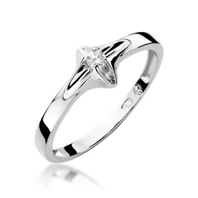 Pierścionek zaręczynowy z brylantem prezent