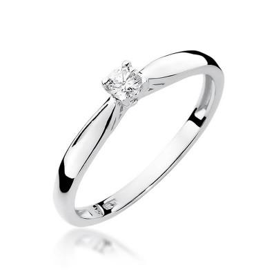 Pierścionek zaręczynowy. Biały brylant