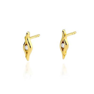 Złote kolczyki z diamentami dla żony