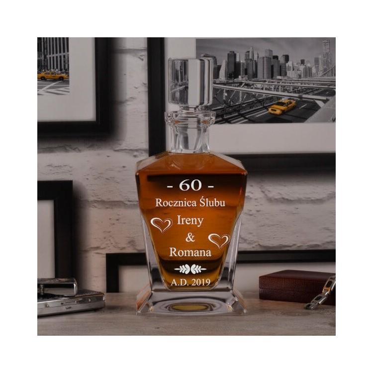 Krzyształowe szklanki z grawerem.