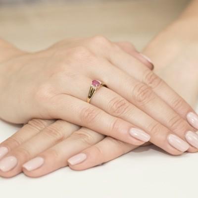 Niskie ceny pierścionek z brylantami i rubinem żółte złoto na rocznicę ślubu