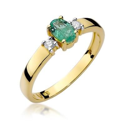 Złoty pierścionek z szmaragdem upominek