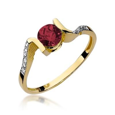 Złoty pierścionek z granatem upominek