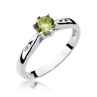 Białe-złoto-pierścionki-z-oliwinem