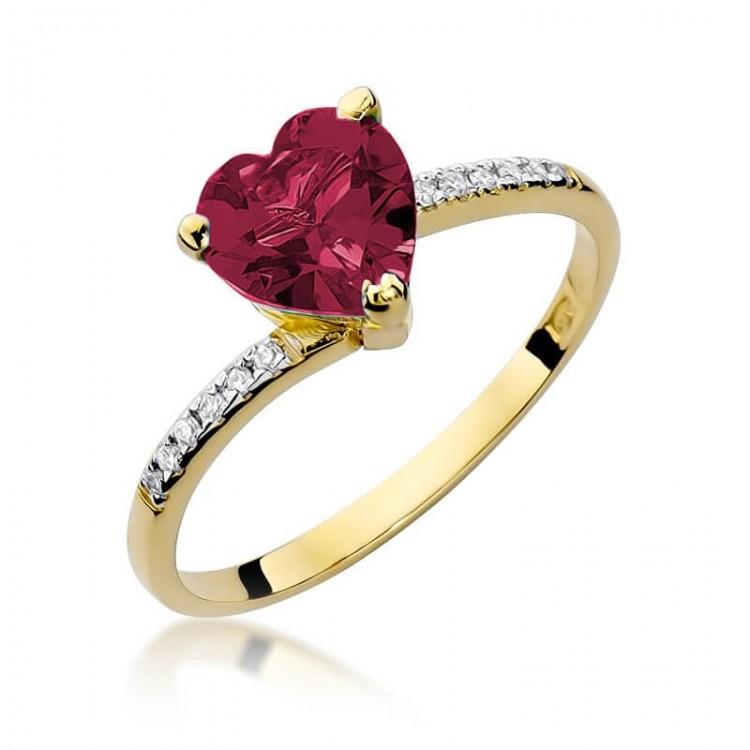 Pierścionek z dużym rubinowym sercem - na zaręczyny