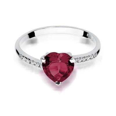 Pierścionek z dużym rubinowym sercem białe złoto dla dziewczyny