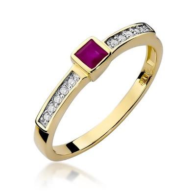 Złoty pierścionek z rubinem i diamentami kwadracik